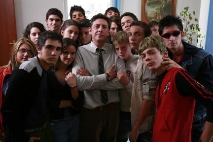 O Professore Sergio Castellitto alle prese con ragazzi