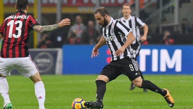 Juventus le confirmó a Higuaín que no lo tendrá en cuenta
