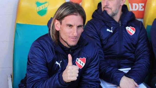 Susto para Beccacece después del triunfo de Independiente