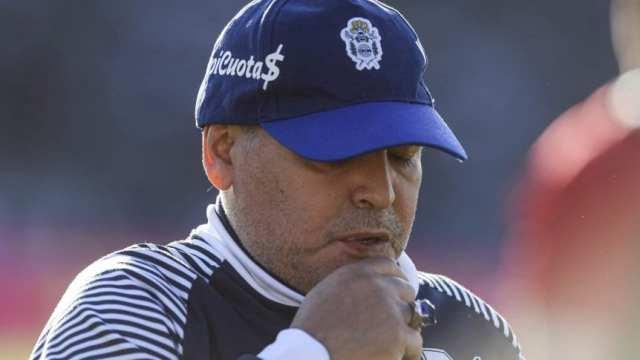 Maradona, golpeado pero con confianza: 'La esperanza es lo último que voy a perder'