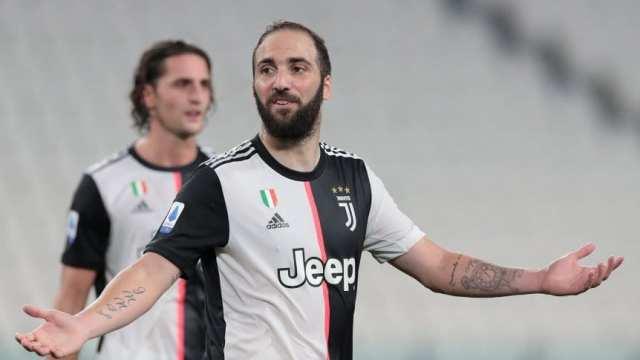 Gonzalo Higuaín negocia su rescisión con Juventus