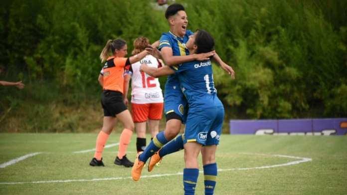 Fútbol femenino: Domingo de homenajes a Maradona y victoria de Independiente y Rosario Central