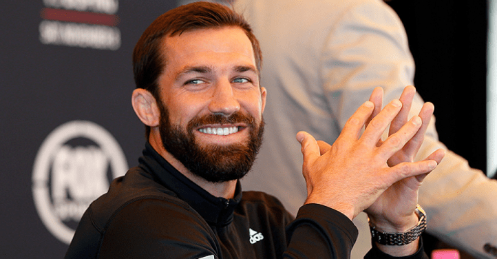 https://i0.wp.com/media.ufc.tv/generated_images_sorted/NewsArticle/W/Wake-Up-Luke-Rockhold-is-Here/Wake-Up-Luke-Rockhold-is-Here_509459_OpenGraphImage.png?resize=722%2C376