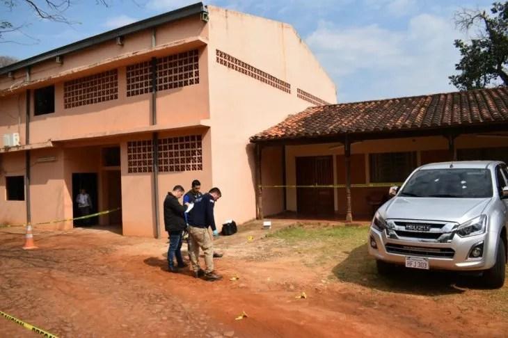 <p>Los investigadores levantaron varias evidencias tras el ataque en la Junta Departamental de Caazap&aacute;.</p>