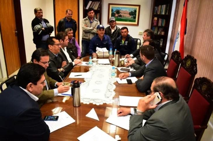 Intermediar. Campesinos de Tacuatí se reunieron con la mesa directiva de Diputados por el caso de expropiación.
