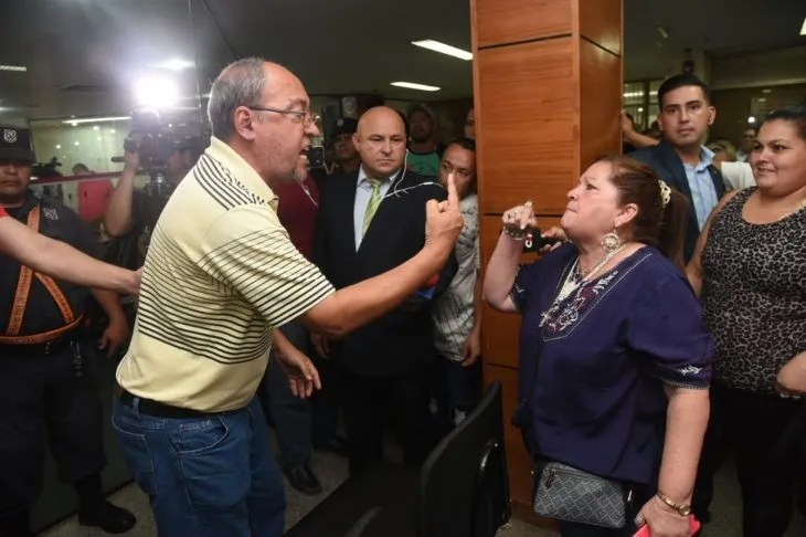 Incidentes en se registraron en la Junta Municipal de Asunción luego de la renuncia de Mario Ferreiro