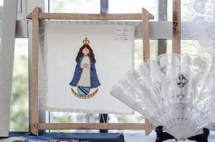 <p>Una creaci&oacute;n de la Virgen de Caacup&eacute; de &ntilde;anduti.</p>