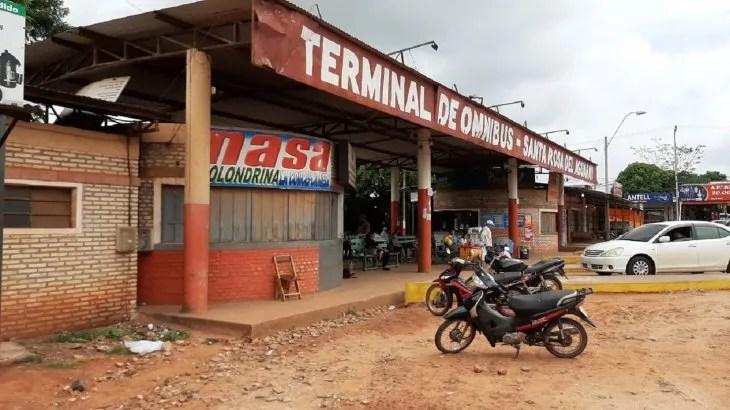 Desde este viernes es nulo el movimiento en inmediaciones de la terminal de Santa Rosa.