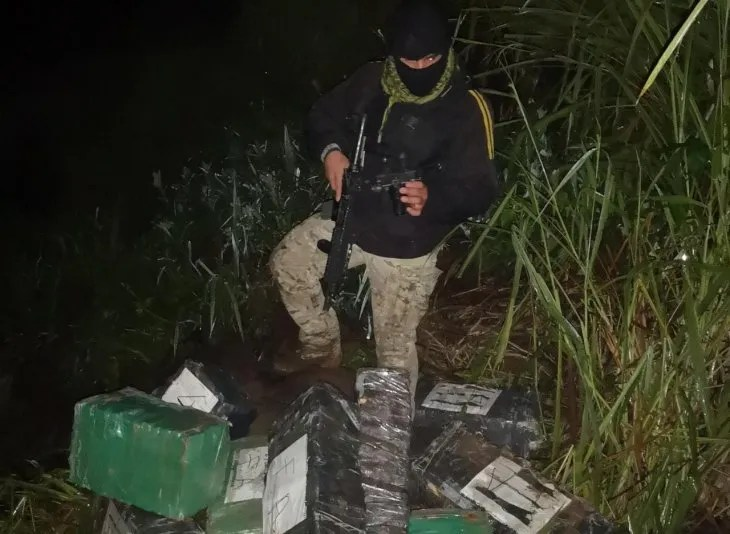 <p>Se incautaron de un alijo de marihuana 622 paquetes de la droga.</p>