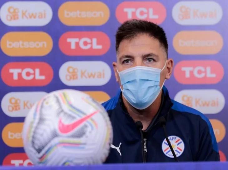 Eduardo Berizzo habló en conferencia de prensa.