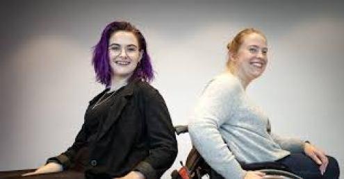 Camilla och Frida tar upp frågor om sex