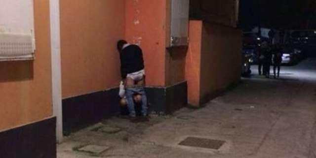 sesso orale in strada
