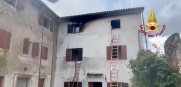 Vittorio Veneto, fulmine colpisce una casa e scoppia un incendio: un morto e due feriti