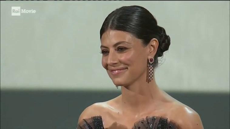 Alessandra Mastronardi sposerà Ross McCall, la fake news sulle nozze