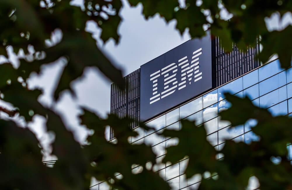 IBM ©LCV / Shutterstock.com