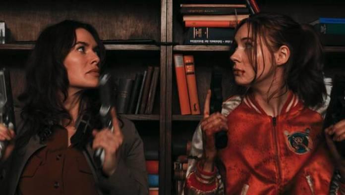 Tráiler de 'Gunpowder Milkshake', acción por un tubo con Karen Gillan y  Lena Headey - Vandal Random