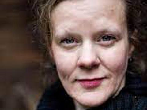 Gertrud Hellbrand, Dragoner