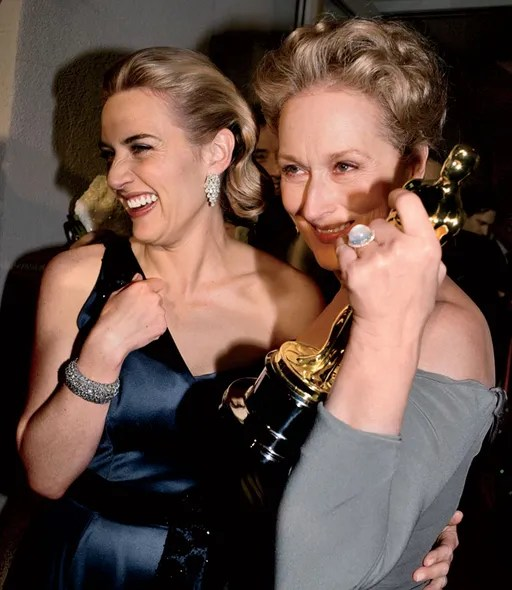 Kate Winslet and Meryl Streep, with Winslets Oscar for *The Reader,* 2009.