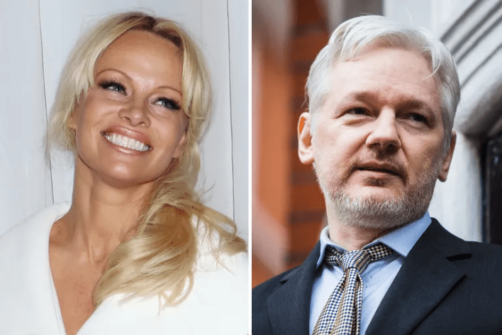 <strong>Pamela Anderson and Julian Assange</strong>