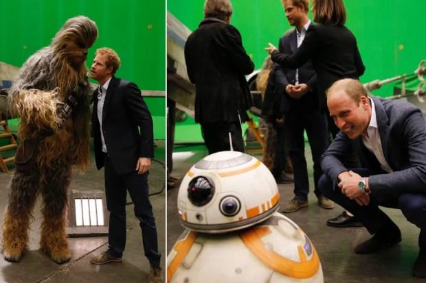 Les Princes William (à droite) et Harry (à gauche) durant une visite du tournage de Star Wars : Les Derniers Jedi