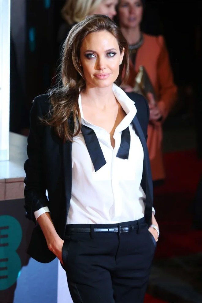 <strong>Angelina Jolie</strong>