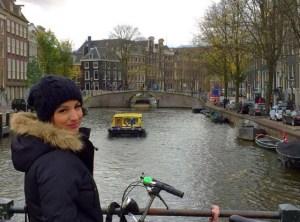 Liliane Amsterdam - Perfil