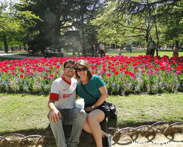 Também passeei com meu noivo pelo Jardim de Luxemburgo :)