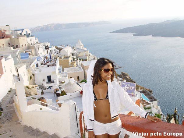 Giselle Nascimento em Santorini, Grécia.