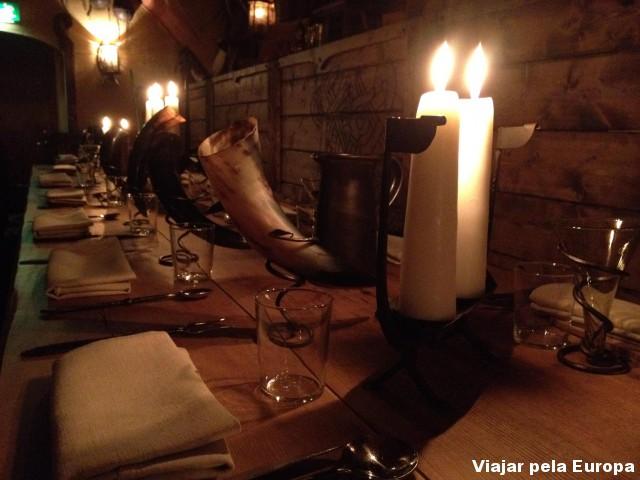 Mesa viking no Restaurante Aifur de Estocolmo.