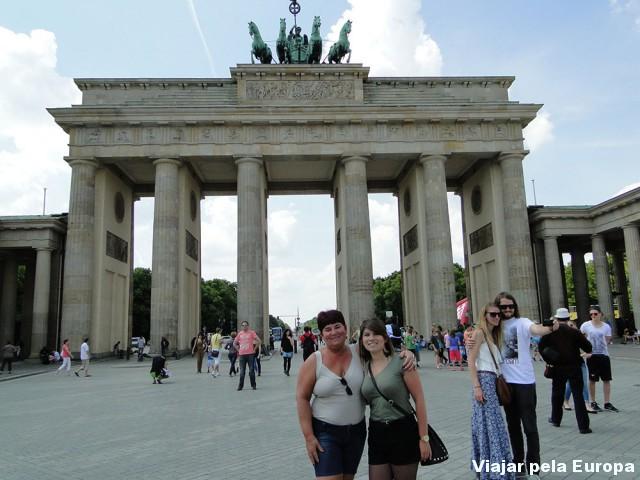 Eu e mamãe no Portão de Brademburgo