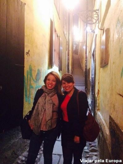 Passeando com a Naiara em Gamla Stan, Estocolmo.