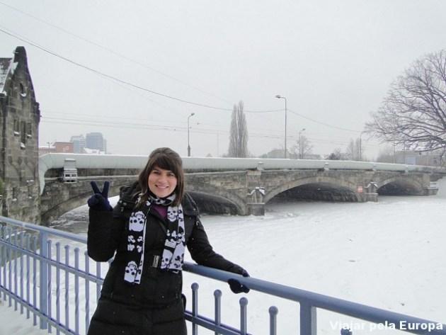 Uma das 100 pontes de Wroclaw