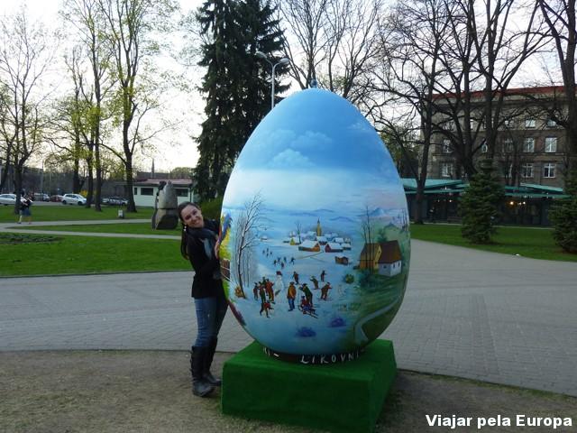 Páscoa em Riga, a cidade estava toda decorada com ovos gigantes.