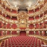 04_Cuvilliés_Theatre_Auditorium_view_of_the_Electoral_box