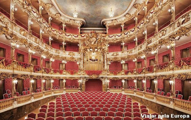 Auditório do Cuvilliés Theatre.