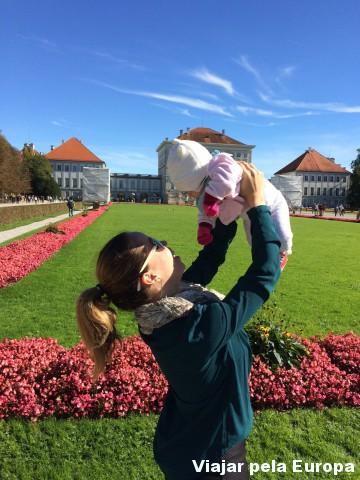 Passeio doce com a mini-viajante em Munique.