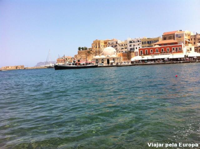 Porto da cidade de Chania.