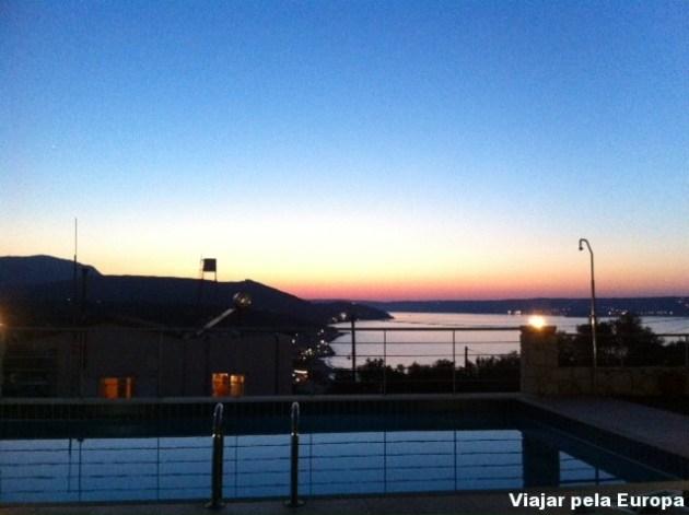 Pôr do sol visto da casa de Kalyves em Creta.