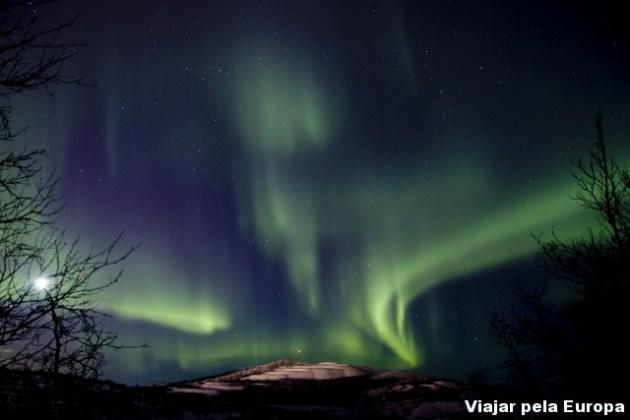 A incrível Aurora Boreal vista do Camp Ripan, hotel que me hospedei em Kiruna. Foto por: Tetsu Miwa