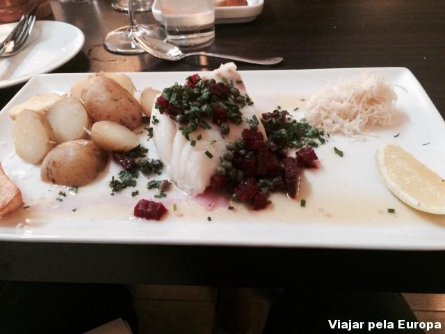 Delicioso Bacalhau fresco, prato super típico da Suécia.