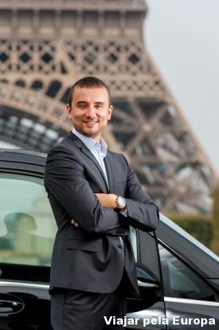 Transfer em Paris com França entre amigos.