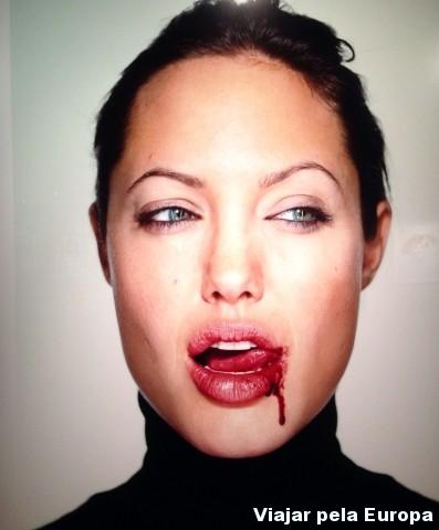 Retrato da Angelina Jolie feito por March Schoeler. Exposição Close up no Fotografiska. Lindaaaa!