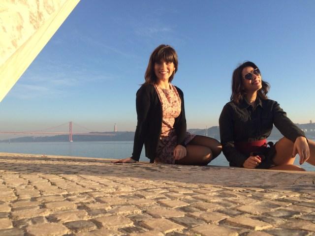 Eu e a minha best blogger de moda Luli do Trend Tips divando na zona de Belem em Lisboa :P