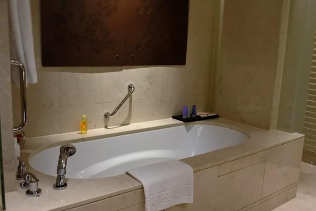 Hotel Mandarin Oriental Macau - Banheira