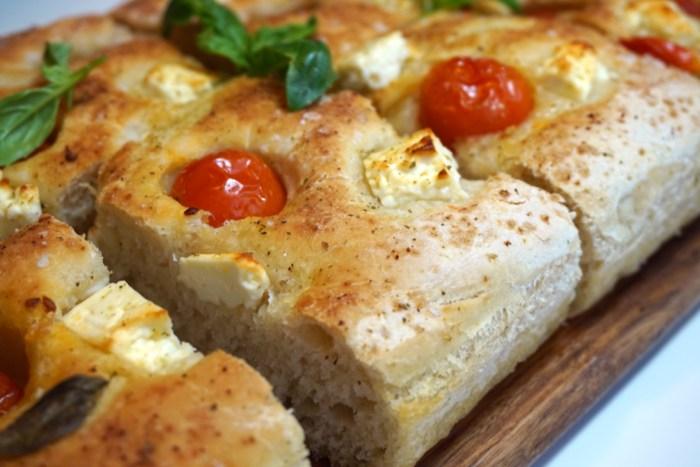 Focaccia med fetaost och tomat