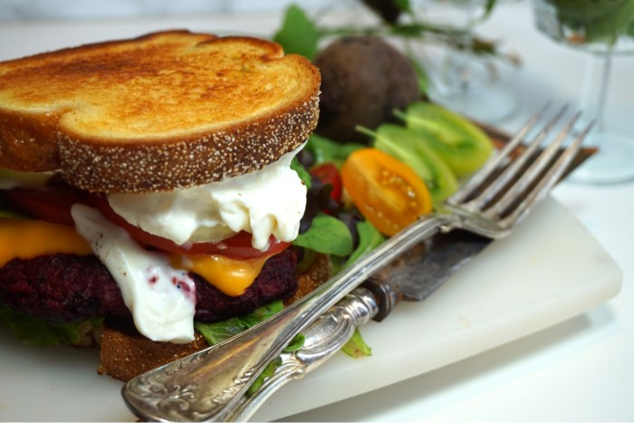Meat Beet Burger på Frisco Hot Melt Toast