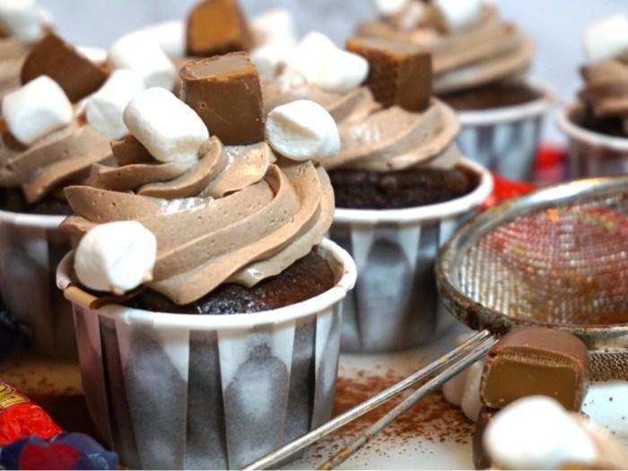 Dumlecupcakes med italiensk chokladmarängsmörkräm