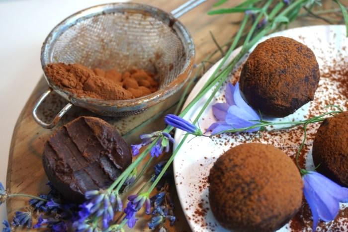 Krämiga hälsosamma chokladtryfflar