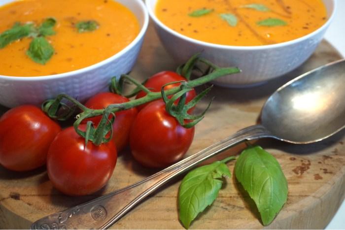 Tomatsoppa på tomater