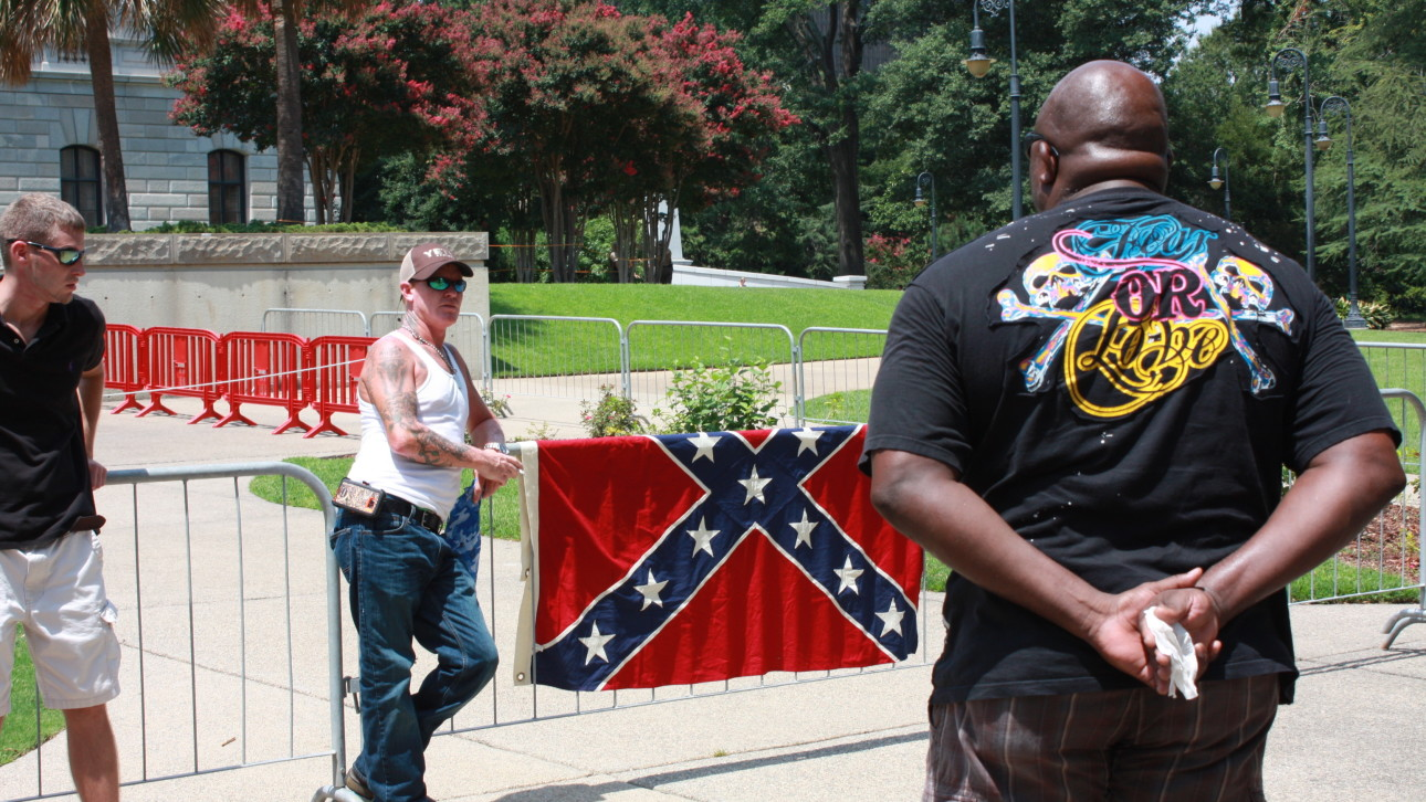 Amid Surge In Racial Tension KKK Fails To Seize On